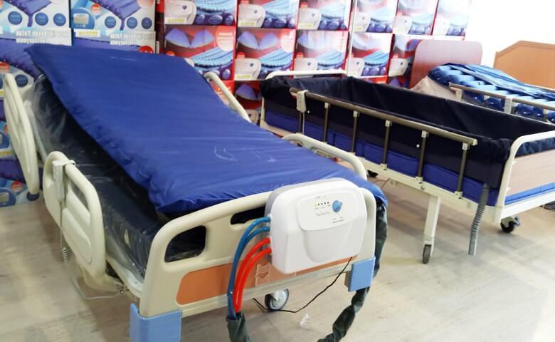 Pratik Tuvaletli Hasta Yatakları