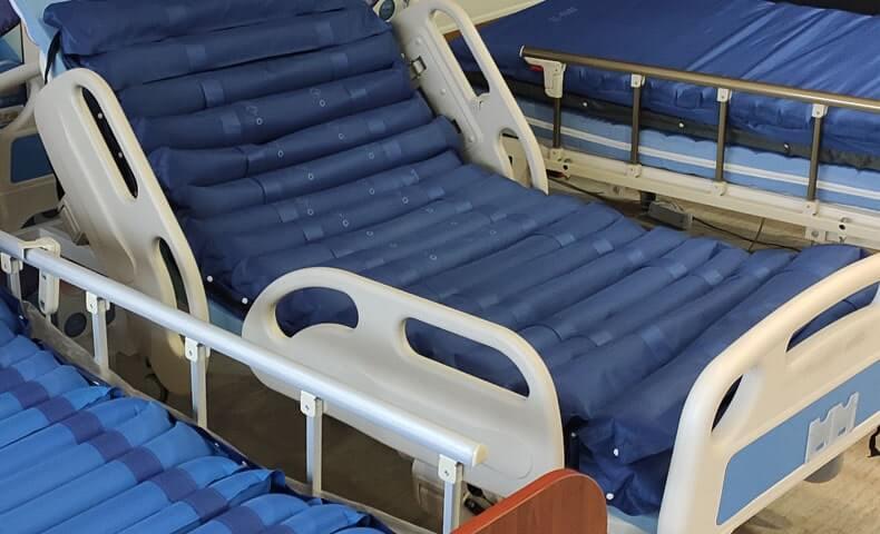 Yerden Yüksekliği Ayarlanabilen Hasta Yatakları
