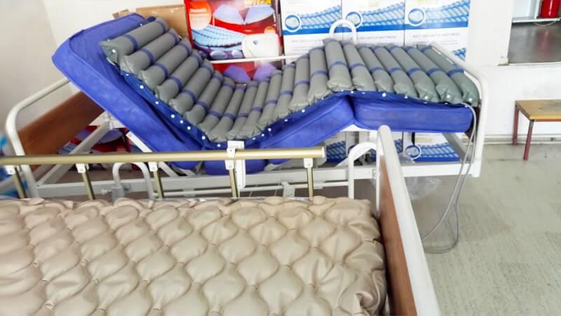 Hijyen koşullarına uygun hasta yatakları