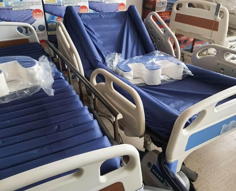 Farklı tasarımlarda hasta yatakları